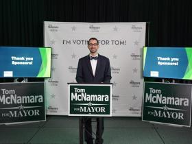 tom at podium
